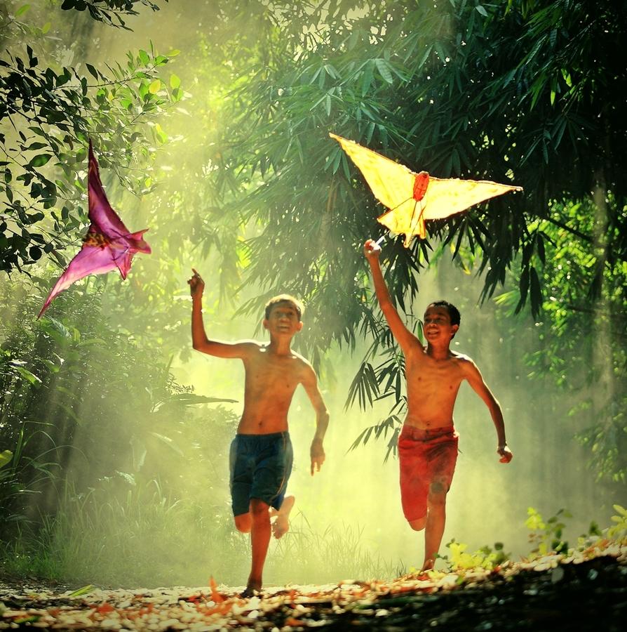 Surga Dunia dalam Mendidik Anak