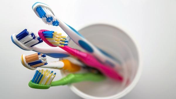 Hukum Sikat Gigi Ketika Puasa